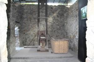 Guillotinen, som fransmændene brugte i Vietnam indtil 1954